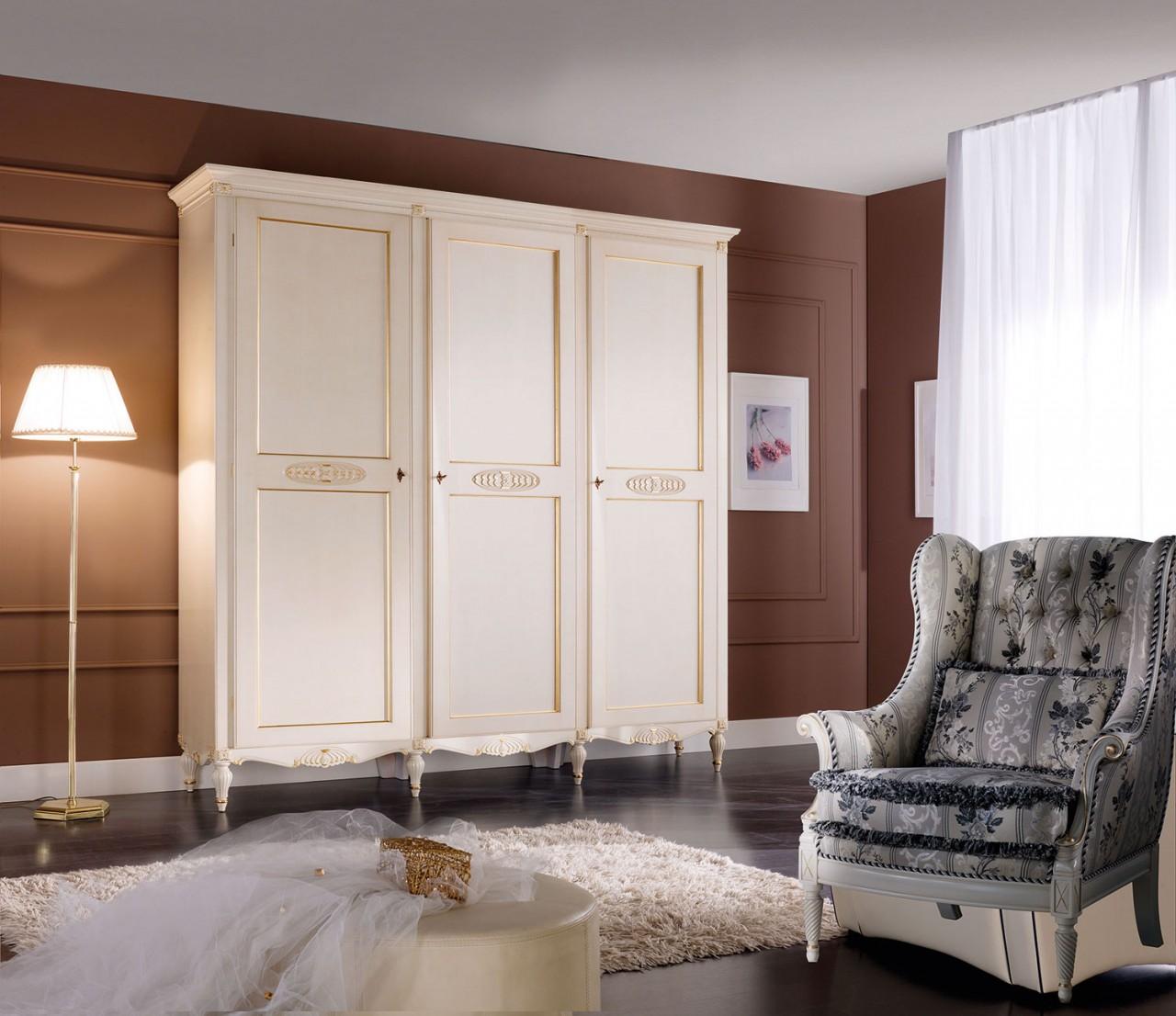 Foto n. 1052 / Bianco patinato colore 9 + foglia oro - Dolcevita